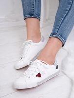 Białe tenisówki Kylie z kolorowymi serduszkami                                   zdj.                                  6
