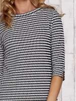 Biało-czarna bluzka w pepitkę z dekoltem w łódkę                                                                          zdj.                                                                         5