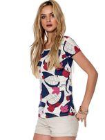 Biało-różowy t-shirt z roślinnymi motywami                                  zdj.                                  5