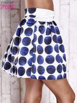 Białoniebieska rozkloszowana spódnica mini w kółka z kokardą                                  zdj.                                  5