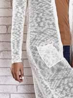 Beżowy ażurowany sweter z kieszeniami                                                                          zdj.                                                                         6