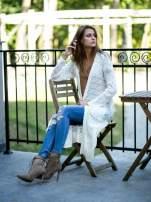Biały ażurowany sweter z kieszeniami                                  zdj.                                  8