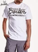 Biały t-shirt męski z nadrukiem moro                                                                          zdj.                                                                         4