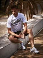 Biały t-shirt męski z nadrukiem moro                                  zdj.                                  9