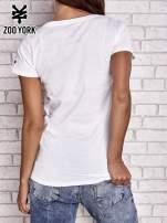 Biały t-shirt z motywem Statuy Wolności