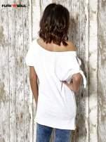 Biały t-shirt z nadrukiem dziewczyny Funk n Soul                                  zdj.                                  4