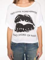 Biały t-shirt z nadrukiem ust i napisem TRUE LOVE                                  zdj.                                  8