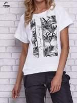 Biały t-shirt z palmowym nadrukiem                                                                          zdj.                                                                         1