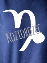 Bluza damska z motywem znaku zodiaku KOZIOROŻEC granatowa                                  zdj.                                  2