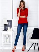 Bluzka czerwona z wycięciem na dekolcie                                  zdj.                                  4
