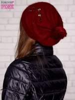 Bordowa czapka z angory z błyszczącą aplikacją