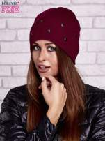 Bordowa czapka z metalowymi dżetami                                  zdj.                                  1