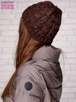 Brązowa czapka z metaliczną nicią                                  zdj.                                  2