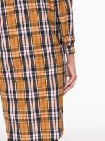 Brązowa długa koszula w kratę w kratę z kieszeniami