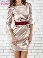 Brązowa elegancka sukienka z satyny z drapowaniem                                  zdj.                                  1