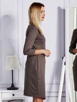 Brązowa sukienka ze skórzanymi modułami                                  zdj.                                  5