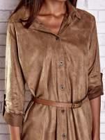 Brązowa zamszowa sukienka z rozcięciami po bokach                                  zdj.                                  5