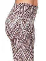 Brązowe legginsy z nadrukiem geometrycznym