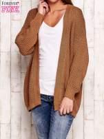Brązowy fakturowany otwarty sweter                                   zdj.                                  1
