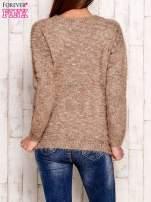 Brązowy melanżowy sweter z dłuższym włosem                                  zdj.                                  2