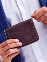 Brązowy portfel dla mężczyzny z tłoczeniem                                  zdj.                                  1
