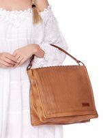Camelowa torba z eko skóry z ażurową klapką na magnes                                  zdj.                                  3