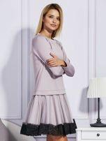 Ciemnobeżowa sukienka z tiulową spódnicą                                  zdj.                                  3