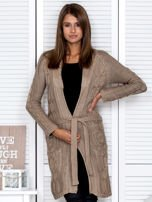 Ciemnobeżowy ażurowy długi sweter typu kardigan z paskiem                                  zdj.                                  1