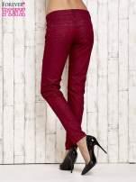 Ciemnoczerwone spodnie rurki w jodełkę                                  zdj.                                  2