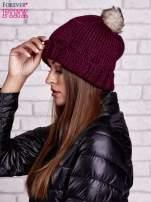 Ciemnofioletowa czapka z futrzanym pomponem