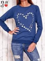 Ciemnoniebieska bluza z wzorem serca                                                                          zdj.                                                                         1