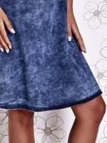 Ciemnoniebieska rozkloszowana dekatyzowana sukienka                                  zdj.                                  7
