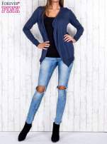 Ciemnoniebieski niezapinany sweter z melanżowym efektem                                                                          zdj.                                                                         2