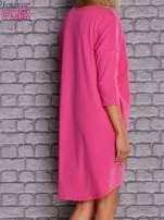 Ciemnoróżowa gładka sukienka oversize                                  zdj.                                  4