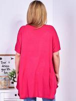 Ciemnoróżowy t-shirt damski w motyle PLUS SIZE                                  zdj.                                  2