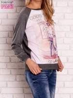 Ciemnoszara bluza z nadrukiem dziewczyny i napisem                                                                          zdj.                                                                         3