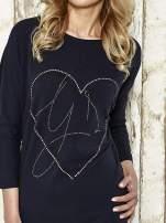 Ciemnoszara sukienka dresowa z sercem z dżetów                                                                          zdj.                                                                         4