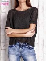Ciemnoszary ażurowy sweter z metaliczną nicią                                  zdj.                                  1