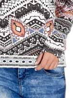 Czarna bluza w azteckie wzory z gipiurą                                                                          zdj.                                                                         5