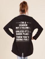 Czarna bluza z kapturem i napisem z tyłu                                  zdj.                                  2