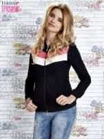 Czarna bluza z kapturem z kolorowymi przeszyciami
