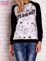 Czarna bluza z nadrukiem kotów i napisem
