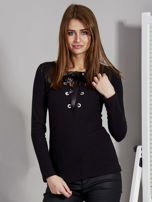 Czarna bluzka damska ze sznurowanym dekoltem                                   zdj.                                  1