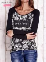 Czarna bluzka z napisem PERFECT i egzotycznymi motywami