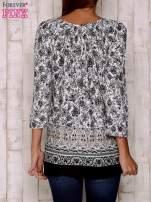 Czarna bluzka z ornamentowym wzorem                                  zdj.                                  4