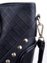 Czarna fakturowana torba ze złotymi nitami                                  zdj.                                  9