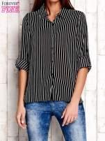Czarna koszula w paski z podwijanymi rękawami                                  zdj.                                  1