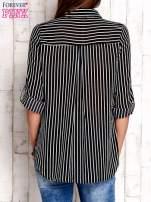 Czarna koszula w paski z podwijanymi rękawami                                  zdj.                                  2