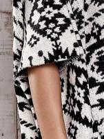 Czarna narzutka poncho w azteckie wzory                                  zdj.                                  7