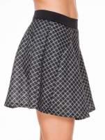 Czarna rozkloszowana mini spódniczka w kratkę
